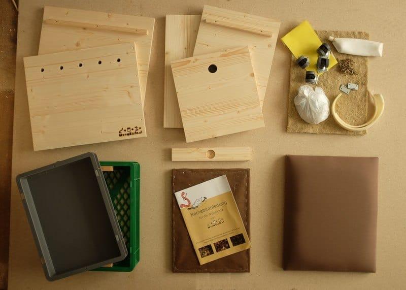 wurmkiste aus holz mit hocker als selbstbau mit anleitung. Black Bedroom Furniture Sets. Home Design Ideas